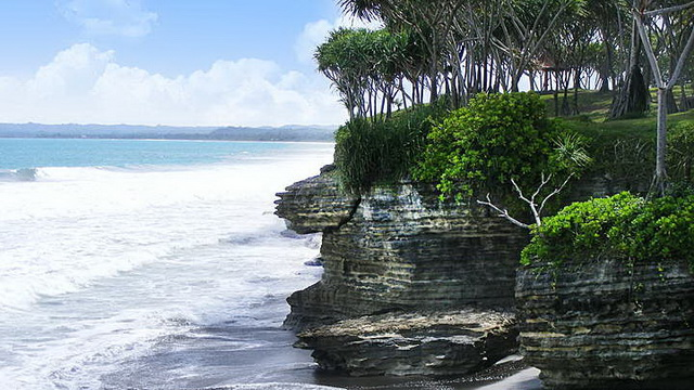 Wisata Batu Hiu