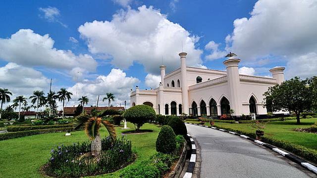 Wisata Istana Siak