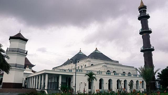 Wisata Masjid Agung Palembang