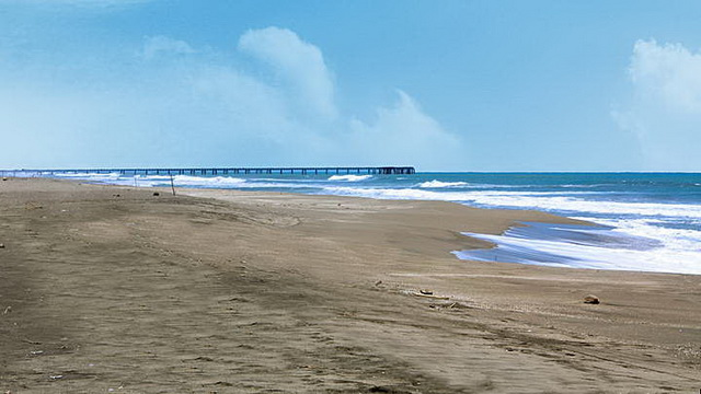 Wisata Pantai Cimaja