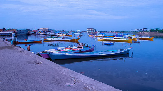 Wisata Pelabuhan Rakyat Paotere