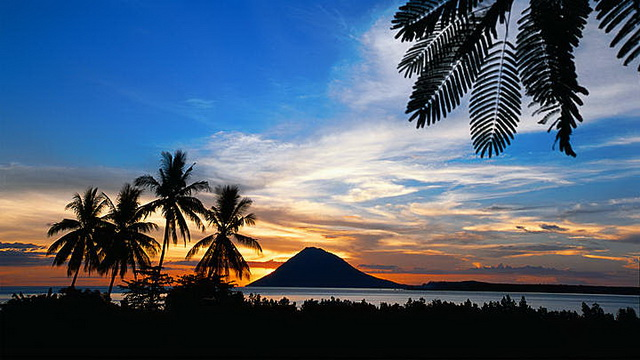 Wisata Pulau Manado Tua