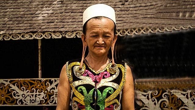 Wisata Suku Dayak